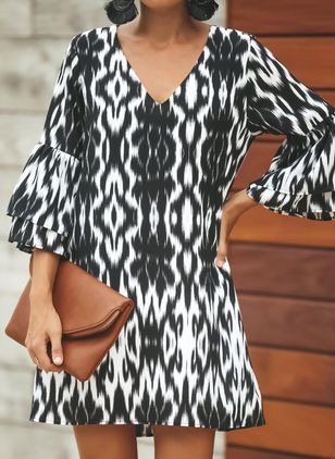 Geometric Ruffles 3/4 Sleeves Above Knee Shift Dress